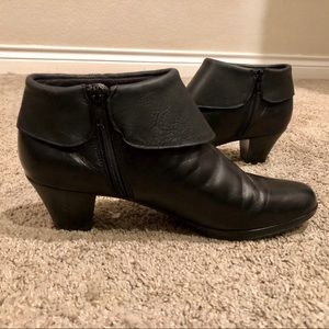 b3cf15c1ccf Munro leather ankle booties